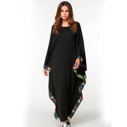 Восточное платье черного цвета с узорчатой окантовкой