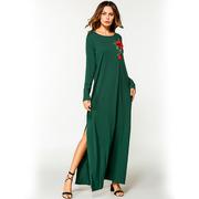 Длинное платье с розой на груди