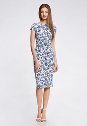 Платье цветочное облегающее астана продам б/у
