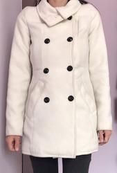 Продам демисезонное пальто Bershka