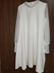 Продается платье. Новое с этикеткой. 44 размер. Цена 15000 тенге